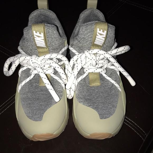 Nike Shoes   Nike City Loop Womens
